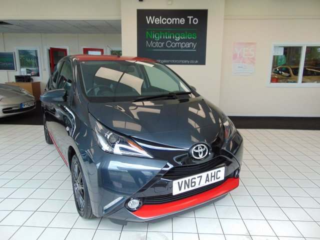 """USED 2017 67 TOYOTA AYGO 1.0 VVT-I X-PRESS X-SHIFT 5d 69 BHP AUTOMATIC 1 OWNER + LOW MILES + SERVICE HISTORY + BLUETOOTH + ABS + DAB RADIO + ALLOYS + REVERSING CAMERA + 7"""" TOUCH SCREEN + REMOTE CENTRAL LOCKING + ELECTRIC WINDOWS"""