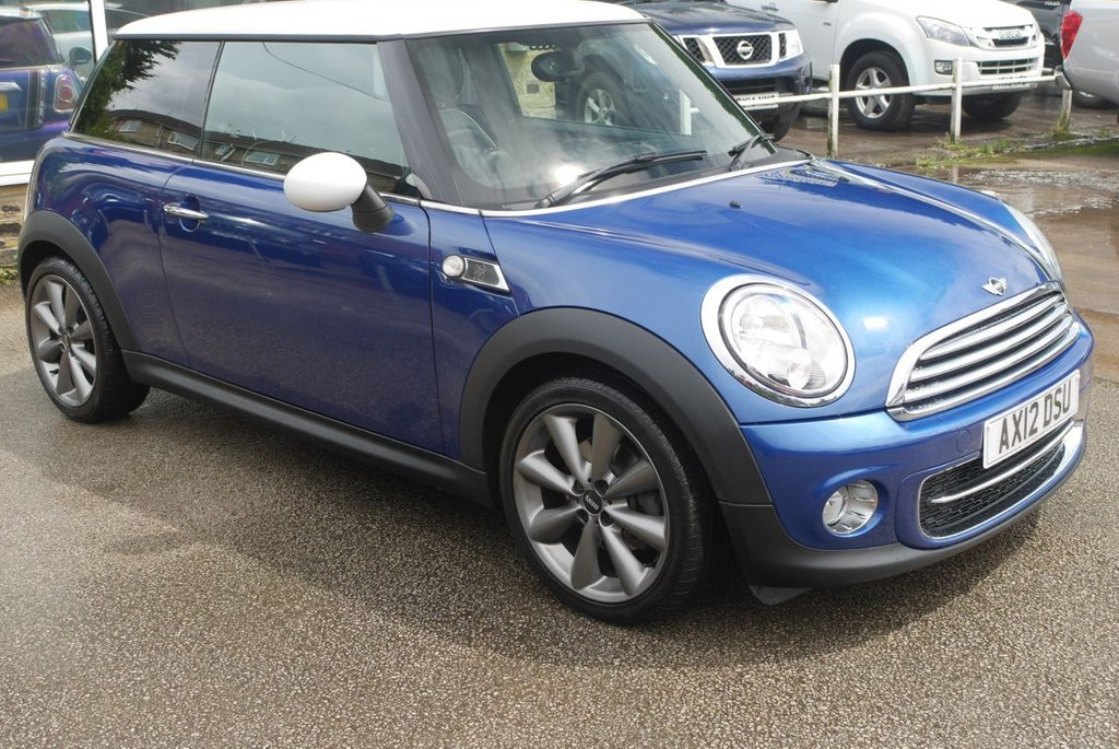 USED 2012 MINI HATCHBACK 1.6 Cooper D London 2012 3dr [Chili Pack]