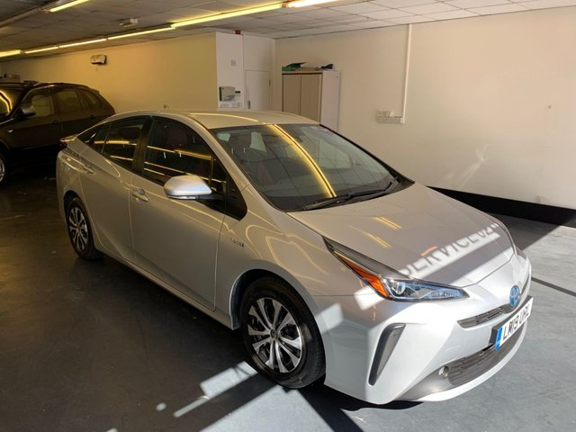 USED 2019 19 TOYOTA PRIUS 1.8 VVT-I ACTIVE 5d 121 BHP 1 PRIVATE OWNER, FULL TOYOTA SERVICE HISTORY,  GREAT SPEC INCLUDING FULL TWO TONE LEATHER  - MOT and taxi license renewed March 2021