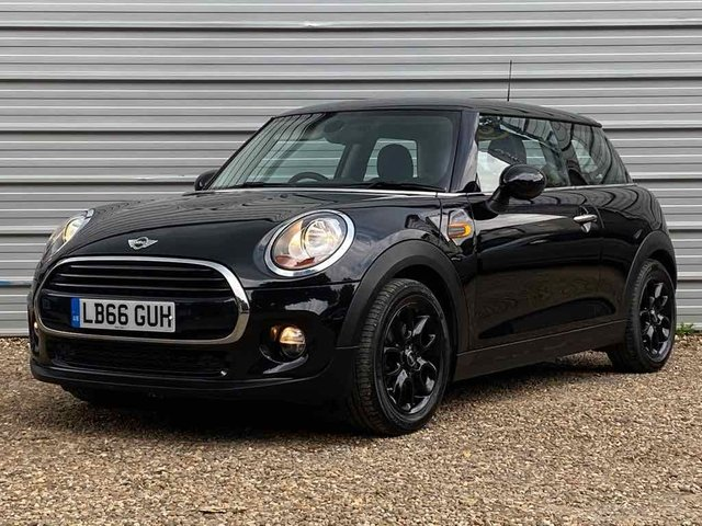 USED 2017 66 MINI HATCH COOPER 1.5 COOPER D 3d 114 BHP 2017 +Navigation+ Sports Seats