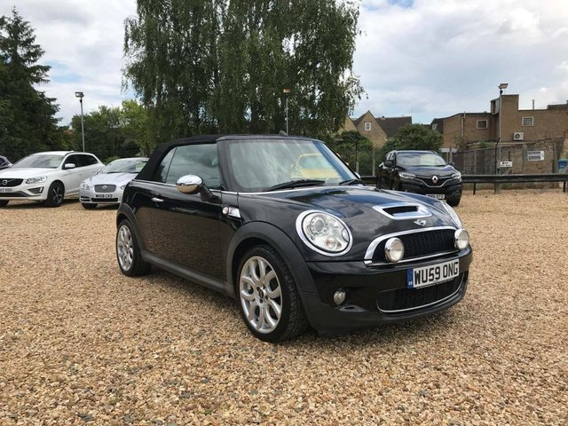 USED 2009 59 MINI CONVERTIBLE 1.6 Cooper S 2dr Chilli Pack & Chrome Pack