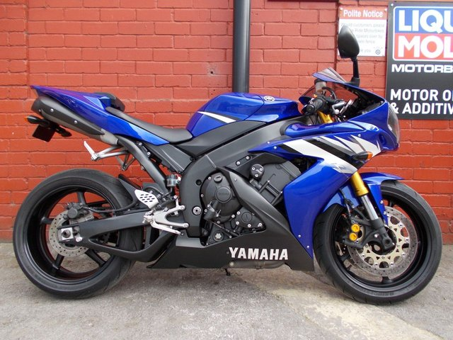 USED 2006 B YAMAHA YZF R1 06  A Lovely Clean Example. Finance & Delivery Available.