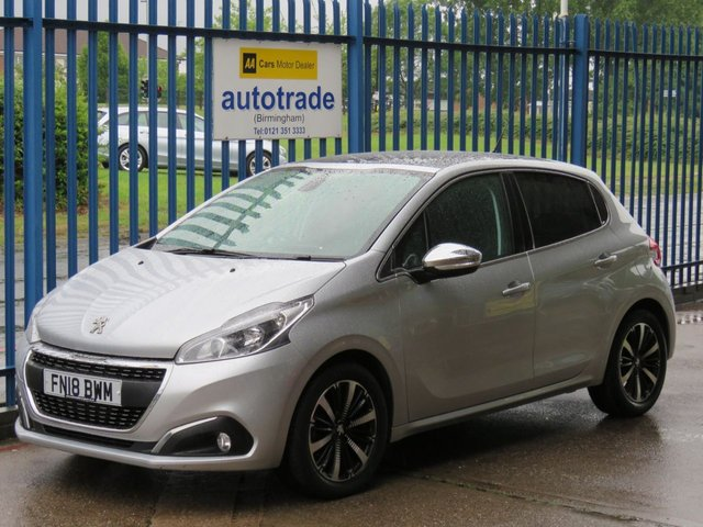 USED 2018 18 PEUGEOT 208 1.2 PURETECH ALLURE PREMIUM 5dr Apple Car Play, Android Auto,  Pan roof Cruise Park sensors Alloys Bluetooth, Rear Camera Reverse Parking Camera, Apple Car Play, Mood Lighting, Panoramic Glass Roof, Dab Radio, Privacy Glass