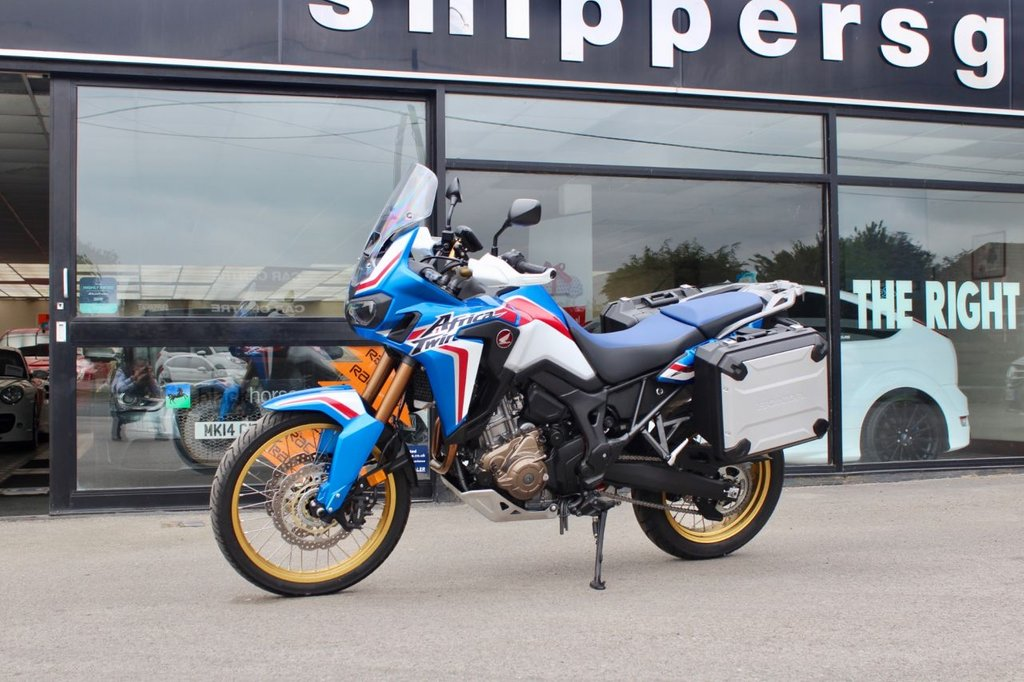 USED 2019 19 HONDA CRF 998cc CRF 1000 D-K AFRICAN TWIN  94 BHP 11 Owner, Full Honda Service History, DCT Transmission, Satellite Navigation, Honda Panniers, Balance Of Honda Warranty, 2 Keys and Book Pack.