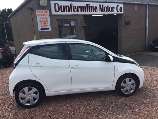 USED 2018 18 TOYOTA AYGO 1.0 VVT-I X-PLAY 5d 69 BHP ++LOW MILEAGE++
