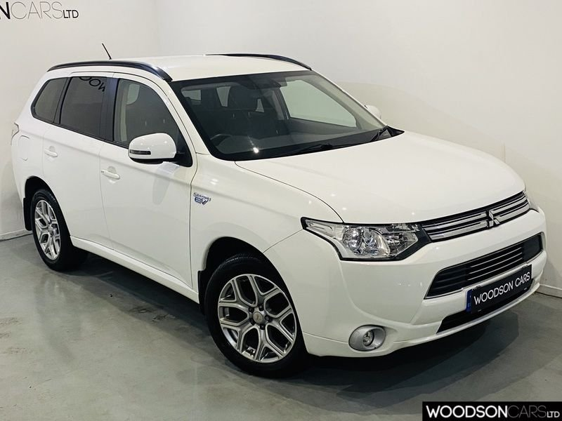 USED 2015 15 MITSUBISHI OUTLANDER 2.0 PHEV GX 3H 5d 162 BHP Charging Cable / Free Road Tax / Privacy Glass / 2 Keys / 4WD