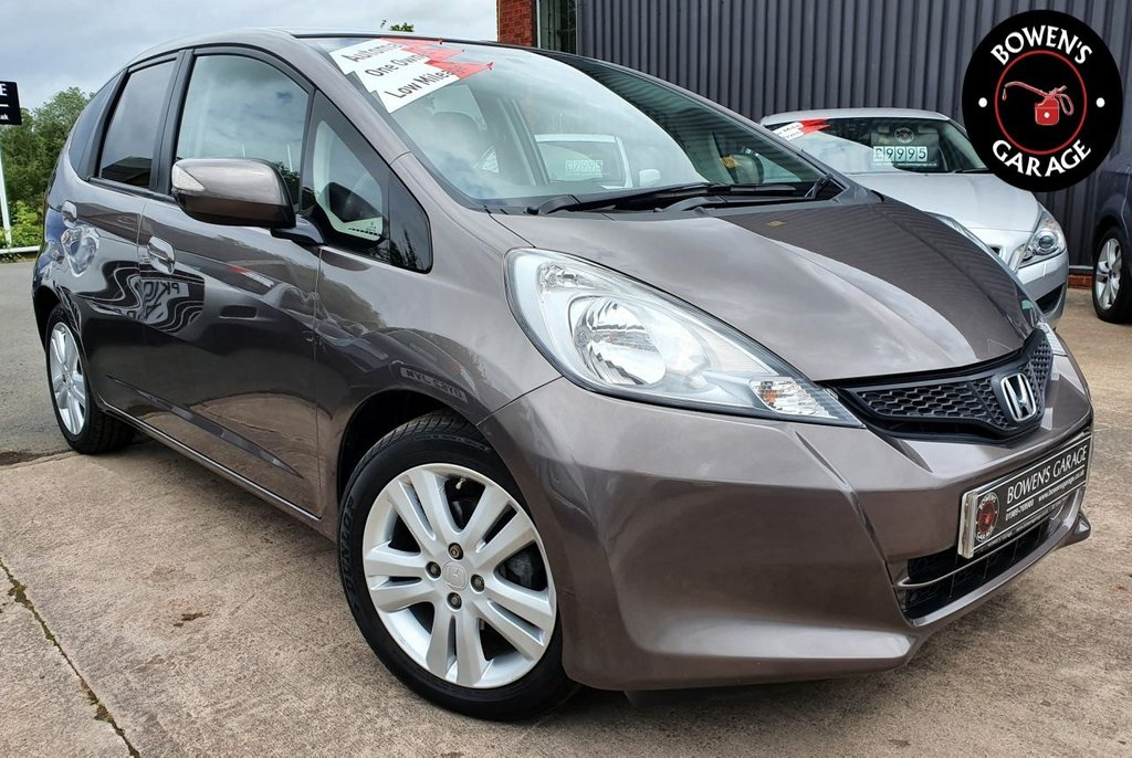 USED 2015 15 HONDA JAZZ 1.3 I-VTEC ES PLUS AUTO 5D 99 BHP AUTO - 1 Lady Owner - Low Miles - 6 Service Stamps