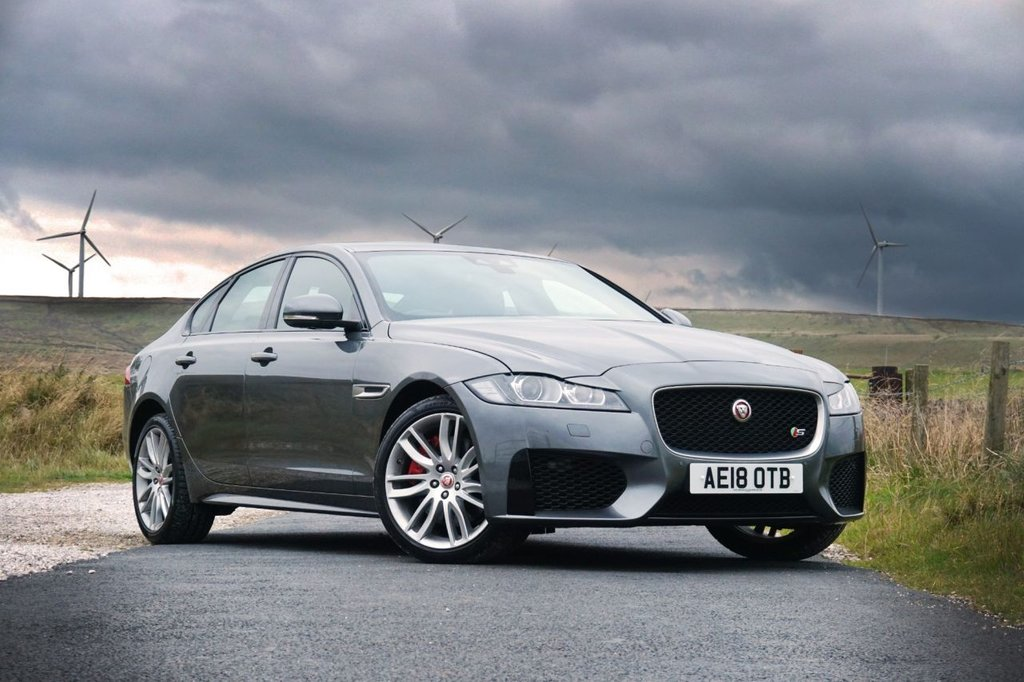 "USED 2018 18 JAGUAR XF 3.0 D V6 S 4d AUTO 296 BHP Recently underwent a £400+ service at Jaguar Manchester + Finished in stunning metallic Indus Grey + 19"" alloys + black leather interior + Nav + Bluetooth + DAB Radio + Reverse camera + Start / stop + Air con + Dual climate control + Multi function steering wheel + Cruise control + Electric Folding mirrors + Electric windows + Meridian Audio System + Front / rear parking sensors + Lane departure warning + Auto Lights / Wipers + Heated front seats + Full service history + 1 Owner + ULEZ EXEMPT"