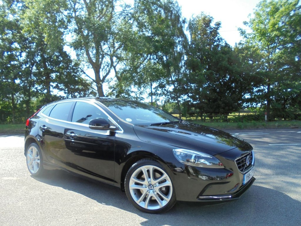 USED 2016 16 VOLVO V40 2.0 D2 SE LUX 5d 118 BHP