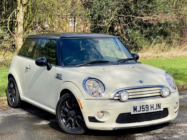 USED 2010 59 MINI HATCH COOPER 1.6 COOPER 3d AUTOMATIC * AUTOMATIC * FULL HEATED LEATHER INTERIOR *