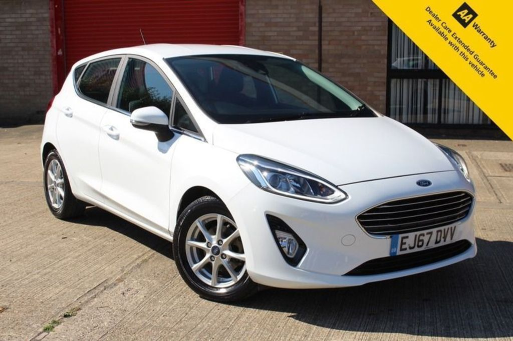 USED 2018 67 FORD FIESTA 1.0 ZETEC 5d 99 BHP ** 1 OWNER ** FULL SERVICE HISTORY ** WARRANTY UNTIL FEB 2021 ** BLUETOOTH ** APPLE CAR PLAY ** TOUCHSCREEN INFOTAINMENT SYSTEM ** DAB RADIO ** FINANCE + NATIONWIDE DELIVERY AVAILABLE **