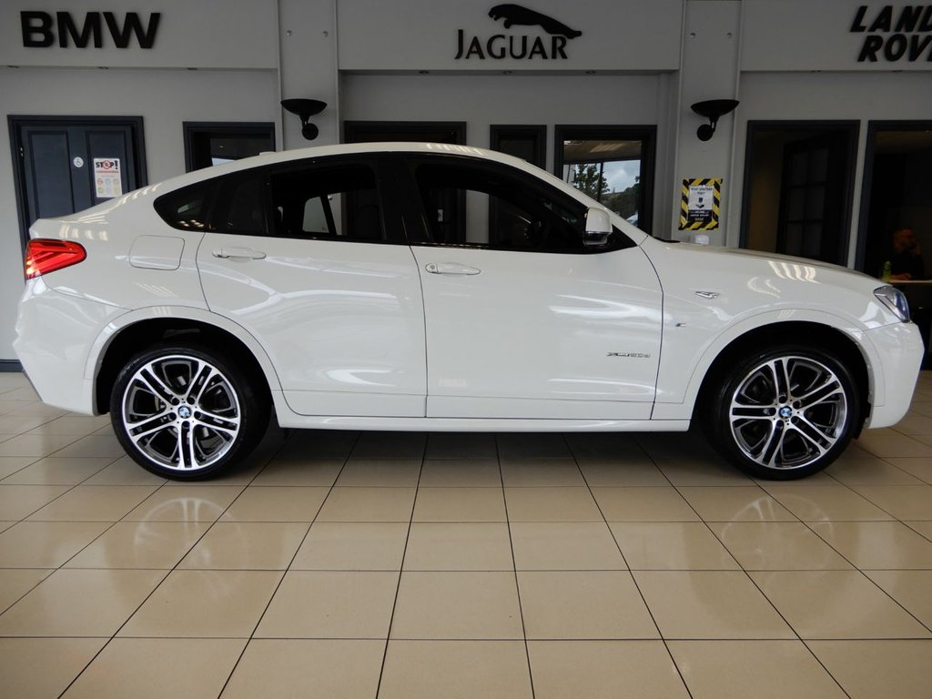 """USED 2017 17 BMW X4 2.0 XDRIVE20D M SPORT 4d AUTO 188 BHP FINISHED IN STUNNING MINERAL WHITE WITH CONTRASTING FULL BLACK LEATHER HEATED SEATS, HIGHTLIGHTED BY WHITE SEAM STITCHING + SATELLITE NAVIGATION + FRONT/REAR HEATED SEATS + DAB DIGITAL RADIO + BLUETOOTH PHONE CONNECTIVITY AND BLUETOOTH MEDIA + STUNNING SUV WITH 20"""" DIAMOND CUT UNMARKED ALLOY WHEELS + DUAL ZONE AIR CONDITIONING + CLIMATE CONTROL + CRUISE CONTROL + XENON ADAPTIVE HEADLIGHTS WITH LED DAYTIME RUNNING LIGHTS + SPORTS AUTOMATIC WITH PADDLESHIFT GEAR CHANGE +  IN CAR ENTERTAINMENT AUX/"""