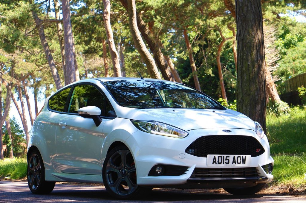 USED 2015 15 FORD FIESTA 1.6 ST-3 Mountune 215