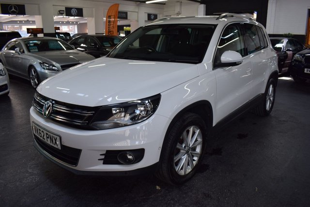USED 2012 62 VOLKSWAGEN TIGUAN 2.0 SE TDI BLUEMOTION TECHNOLOGY 4MOTION 4X4 5d 138 BHP LOVELY CONDITION THROUGHOUT - 9 STAMPS TO 72K - 4MOTION 4X4 - ALLOYS - STOP/START - HILL HOLD - LEATHER MULTI FUNCTION S/W