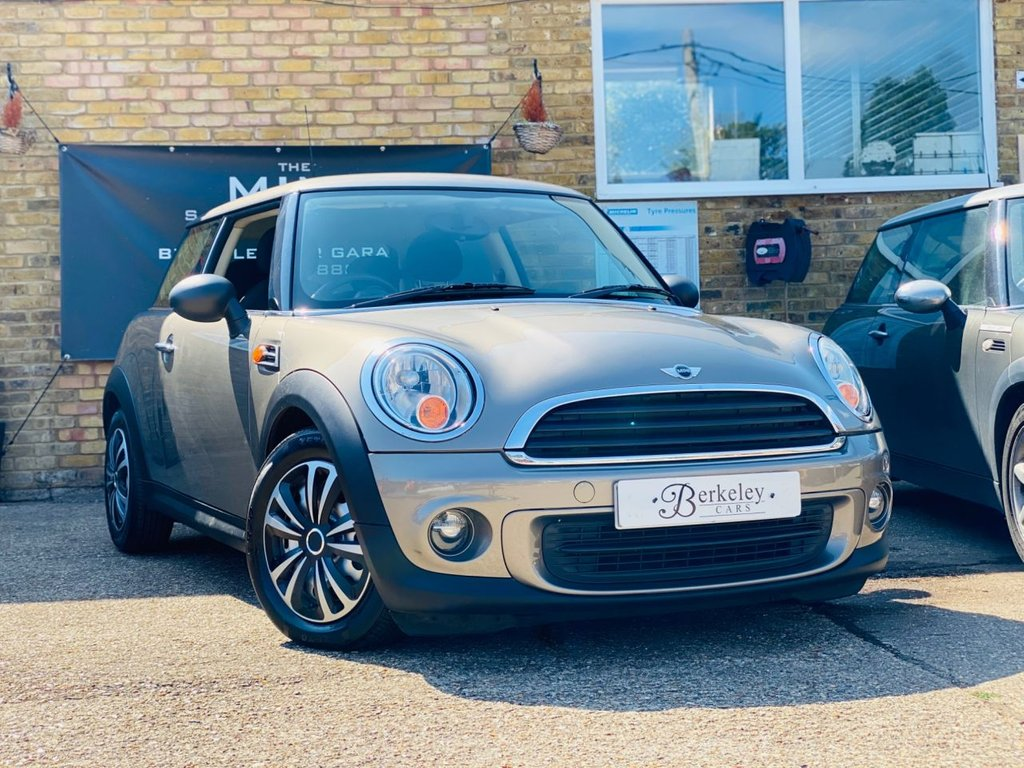 USED 2011 11 MINI HATCH ONE 1.6 ONE 3d 75 BHP WE SPECIALISE IN MINI'S!!!!!!