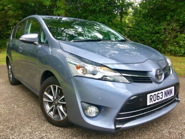 2013 63 TOYOTA VERSO 1.8 VALVEMATIC ICON 5d AUTO 145 BHP 1 FAMILY OWNED / ONLY 19200 MILES