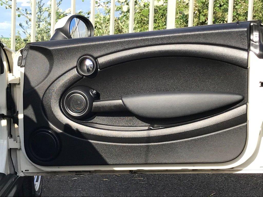 USED 2012 12 MINI ROADSTER 1.6 COOPER 2d 120 BHP