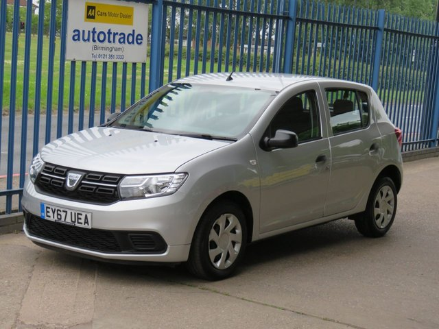 USED 2017 67 DACIA SANDERO 1.0 AMBIANCE SCE 5dr Air con Bluetooth Day running lights AIR CONDITIONING, BLUETOOTH, ULEZ COMPLIANT, REMOTE CENTRAL LOCKING, ULEZ COMPLIANT, DAB RADIO, PASSENGER AIRBAG DEACTIVATION SWITCH