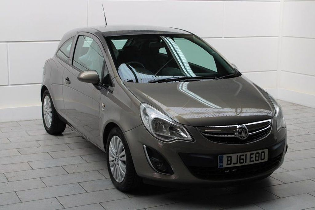 USED 2011 61 VAUXHALL CORSA 1.2 i 16v Excite 3dr SAME LADY OWNER SINCE 2015!