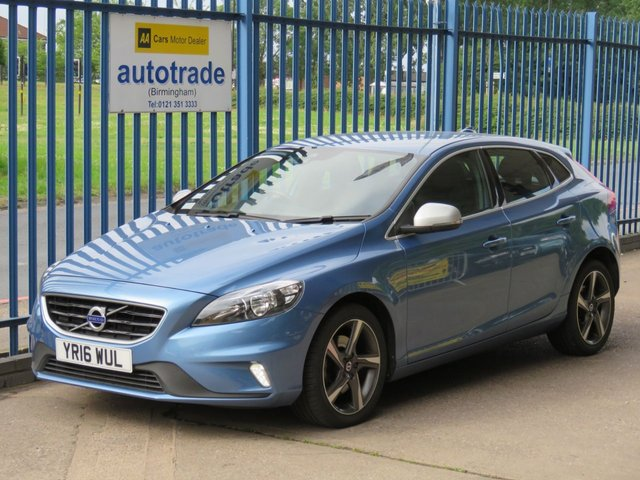 USED 2016 16 VOLVO V40 2.0 T2 R-DESIGN 5d 120 BHP, LEATHER AND ALACNTARA SEATS, CRUISE CONTROL CLIMATE CONTROL,  CRUISE CONTROL, BLUETOOTH, DAB RADIO, LEATHER AND ALCANTARA SPORTS SEATS, ALLOY WHEELS.