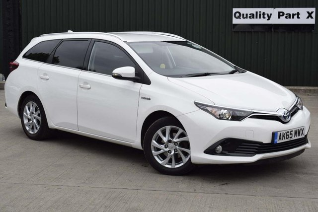 USED 2015 65 TOYOTA AURIS 1.8 VVT-h Icon Touring Sports CVT (s/s) 5dr Full Service History/MD