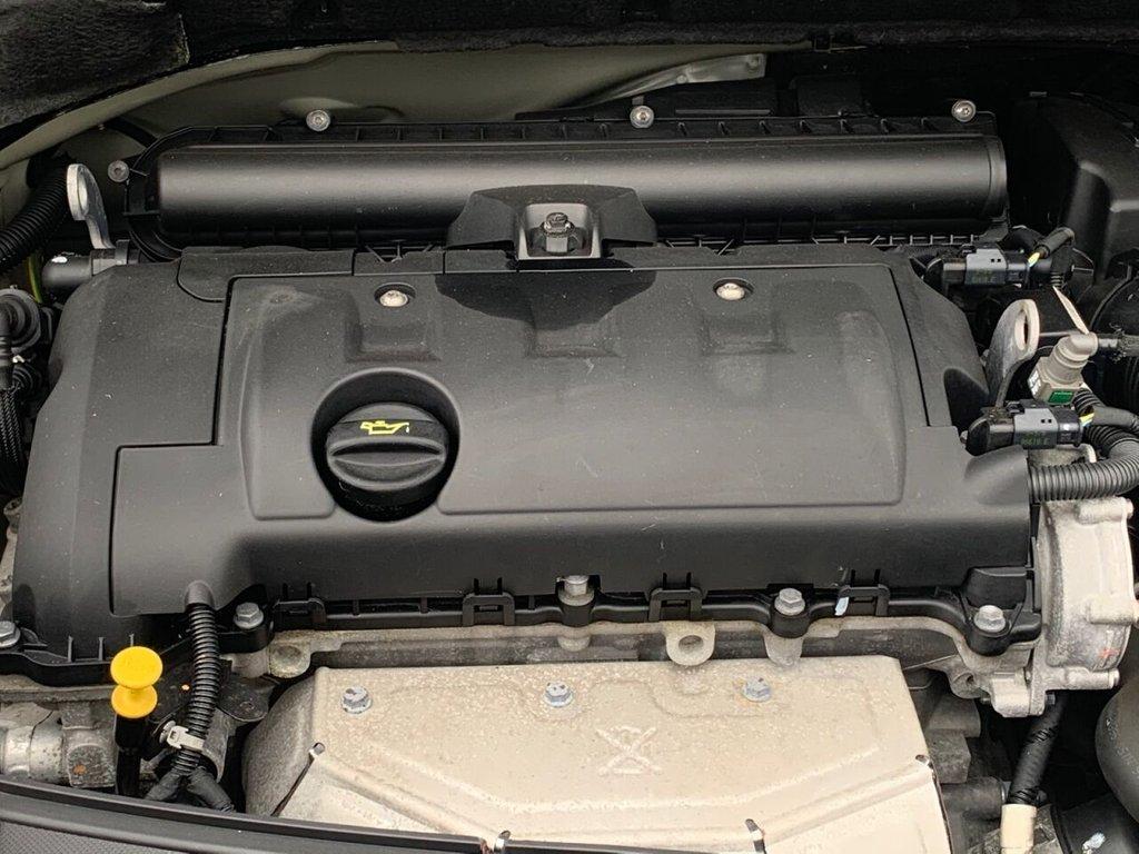USED 2010 10 CITROEN C3 1.4 EXCLUSIVE 5d 96 BHP