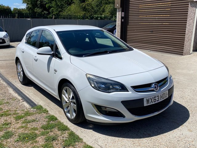 USED 2013 63 VAUXHALL ASTRA 1.7 SRI CDTI 5d 130 BHP TWO OWNERS FROM NEW WITH SERVICE HISTORY