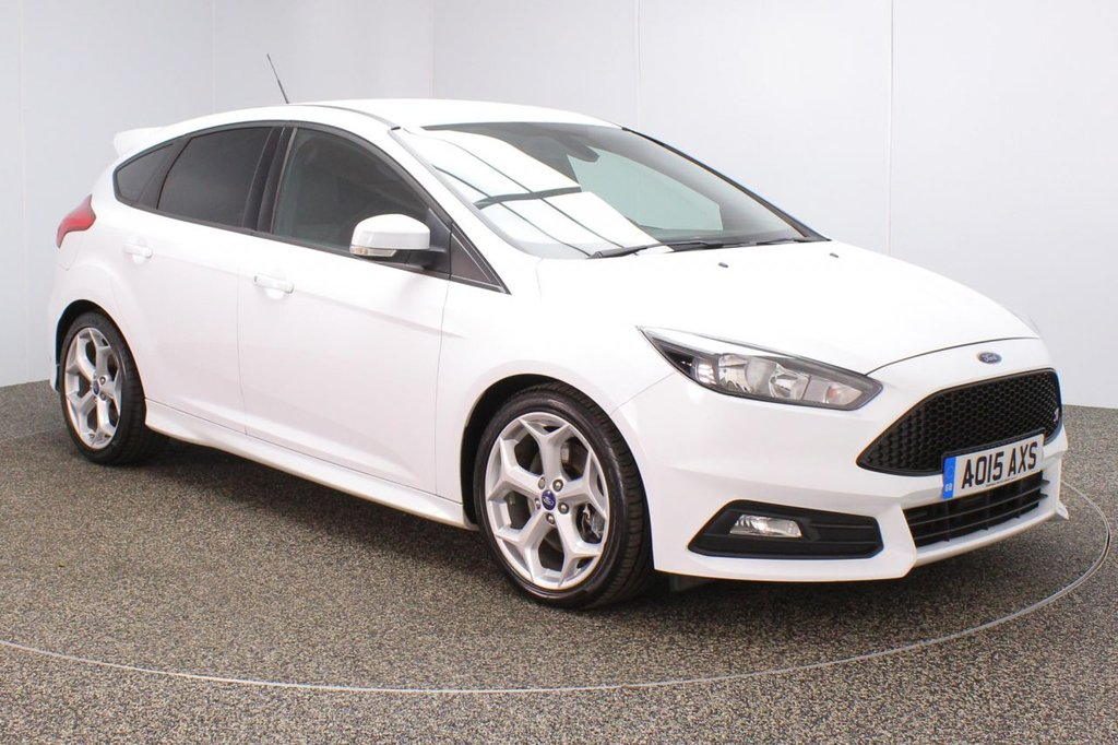 USED 2015 15 FORD FOCUS 2.0 ST-2 5DR 247 BHP FULL FORD SERVICE HISTORY + HALF LEATHER SEATS + LOW MILEAGE + PARKING SENSOR + BLUETOOTH + CLIMATE CONTROL + MULTI FUNCTION WHEEL + DAB RADIO + RECARO FRONT SEATS + PRIVACY GLASS + RADIO/CD/USB + ELECTRIC WINDOWS + ELECTRIC/FOLDING DOOR MIRRORS + 18 INCH ALLOY WHEELS