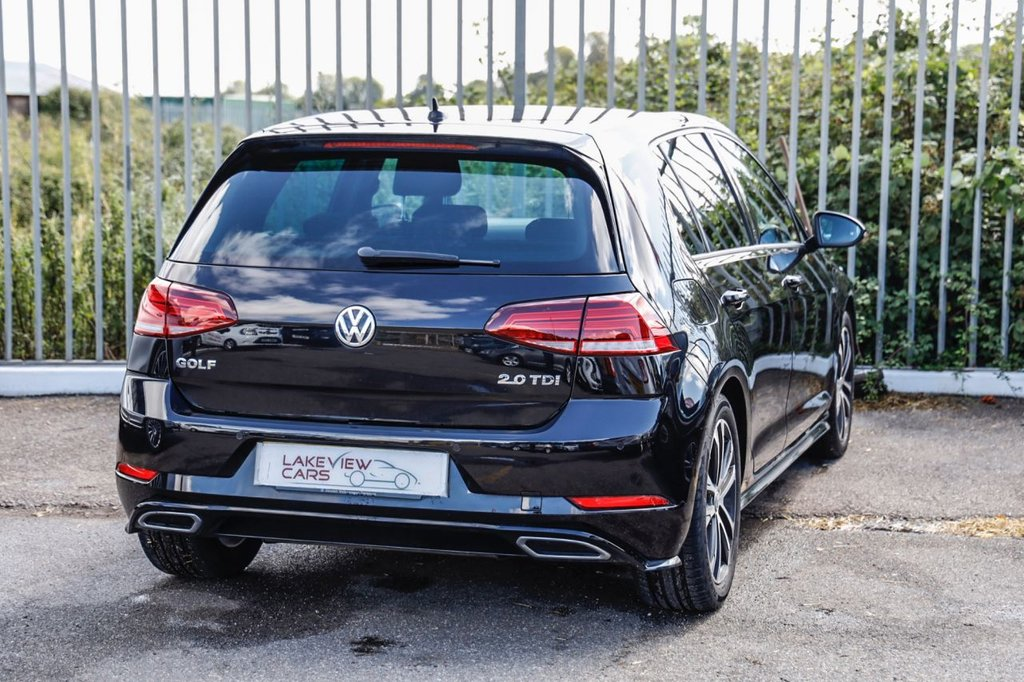 USED 2017 17 VOLKSWAGEN GOLF 2.0 R-LINE TDI BLUEMOTION TECHNOLOGY 5d 148 BHP
