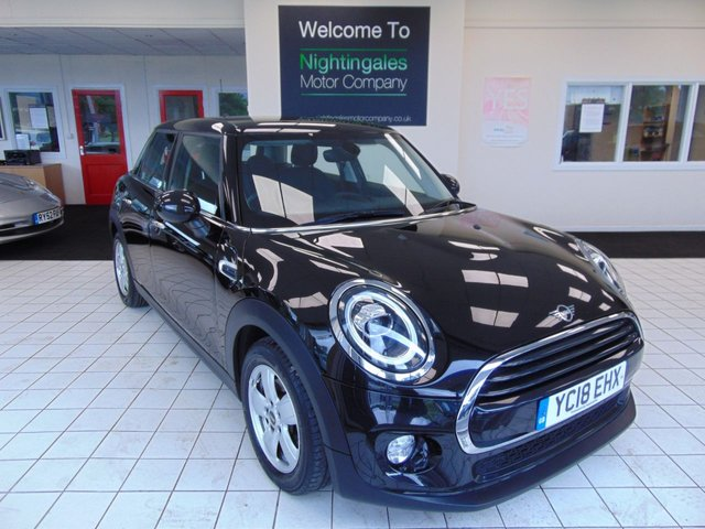 """USED 2018 18 MINI HATCH COOPER 1.5 COOPER D 5d 114 BHP SERVICE HISTORY + MARCH MOT + SATELLITE NAVIGATION + BLUETOOTH + DAB RADIO + REMOTE CENTRAL LOCKING + 15"""" ALLOY WHEELS + LED HEADLIGHT AND DAYTIME RUNNING LIGHTS + VISUAL BOOST RADIO + PASSENGER SEAT HEIGHT ADJUSTMENT + ELECTRIC WINDOWS + GREAT MPG + ALARM"""