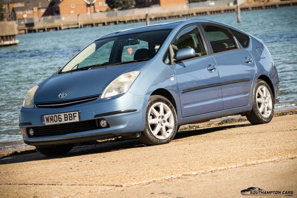 USED 2006 06 TOYOTA PRIUS 1.5 T4 VVT-I 5d 77 BHP ONLY 1 PRE. OWNER FROM NEW, FULL SERVICE HISTORY with 10 SERVICE STAMPS, BRAND NEW MOT, LOW ROAD TAX £20