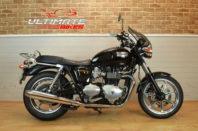 USED 2010 10 TRIUMPH BONNEVILLE 865 ONE OWNER FROM NEW, 17K MILES
