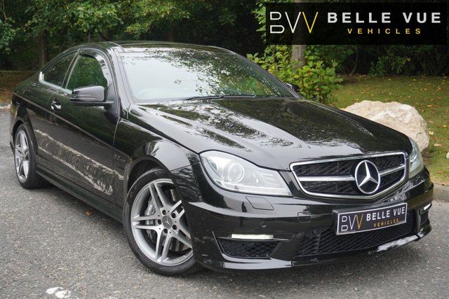 USED 2013 13 MERCEDES-BENZ C-CLASS 6.2 C63 AMG 2d 457 BHP *AMG BODY STYLING, SAT NAV, PARKING SENSORS, CRUISE CONTROL!*