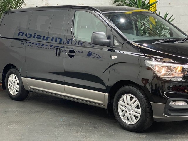 2019 19 HYUNDAI I800 2.5 CRDI SE NAV 5d 134 BHP