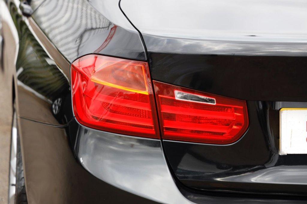 USED 2012 12 BMW 3 SERIES 2.0 318D MODERN 4d 141 BHP