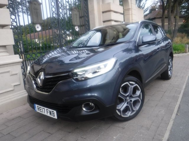 USED 2017 17 RENAULT KADJAR 1.6 DYNAMIQUE S NAV DCI 5d 130 BHP 4WD *** FINANCE & PART EXCHANGE WELCOME *** 1 OWNER FROM NEW SAT/NAV BLUETOOTH PHONE AIR/CON CRUISE CONTROL LANE DEPARTURE WARNING PARKING SENSORS