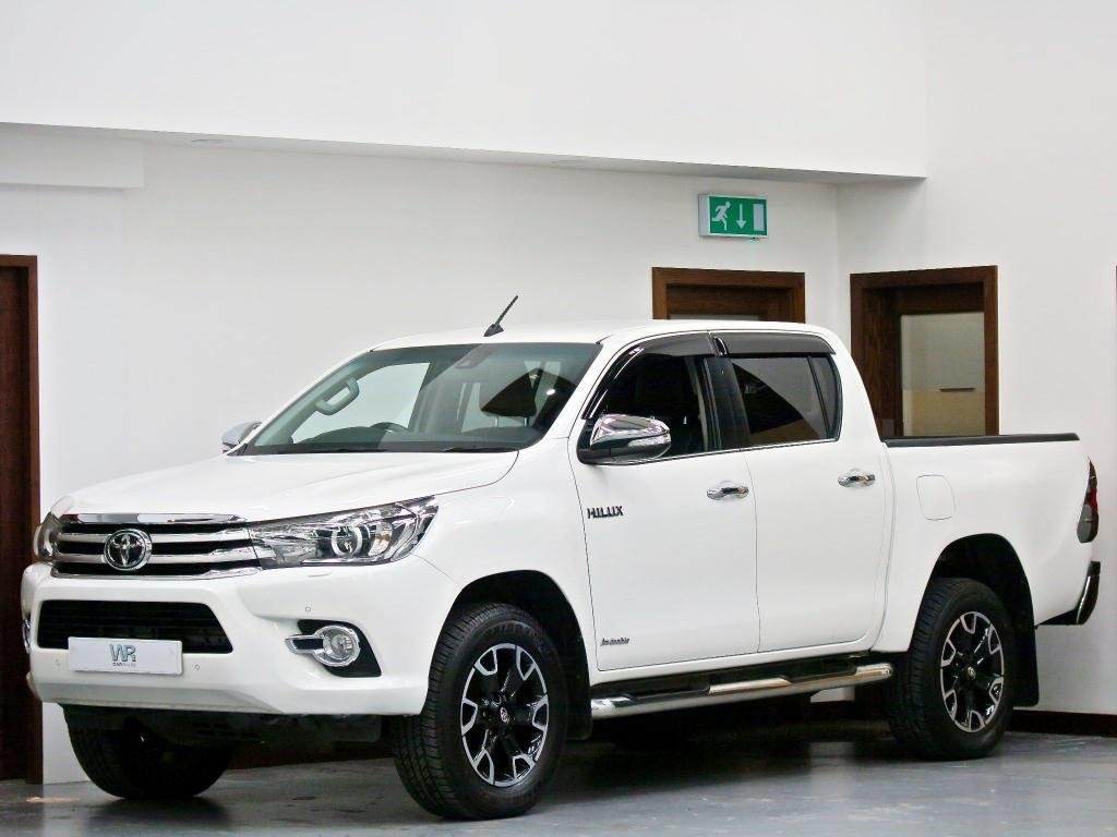 USED 2017 17 TOYOTA HI-LUX 2.4 D-4D Invincible X Double Cab Pickup Auto 4WD EU6 4dr (TSS, 3.5t) KEYLESS+ FULL LEATHER +SAT NAV