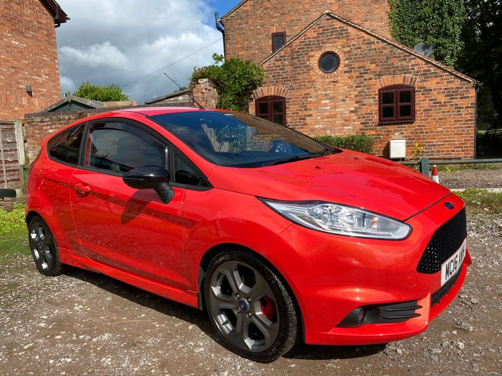 USED 2016 FORD FIESTA 1.6 EcoBoost ST-3 3dr