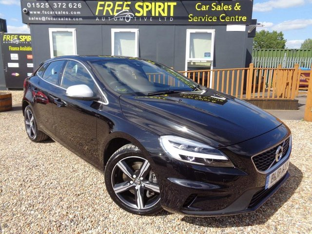 USED 2018 18 VOLVO V40 1.5 T3 R-Design Nav Plus Auto (s/s) 5dr 1 Owner, Full Volvo History