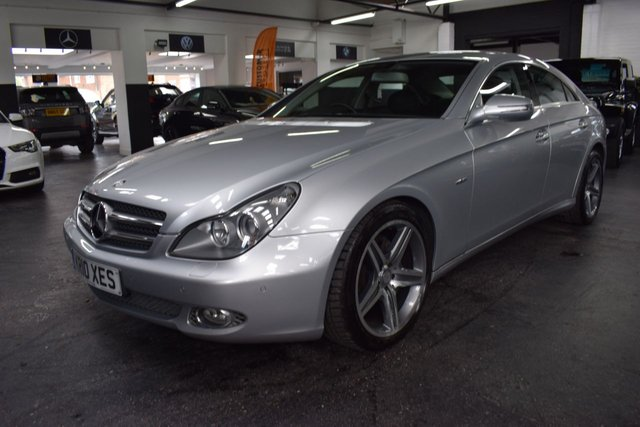 USED 2010 10 MERCEDES-BENZ CLS CLASS 3.0 CLS350 CDI GRAND EDITION 4d 224 BHP RARE GRAND EDITION - STUNNING CONDITION - ONE PREVIOUS KEEPER - 7 MERCEDES SERVICE STAMPS TO 68K - NAPPA LEATHER - NAV - HEATED SEATS