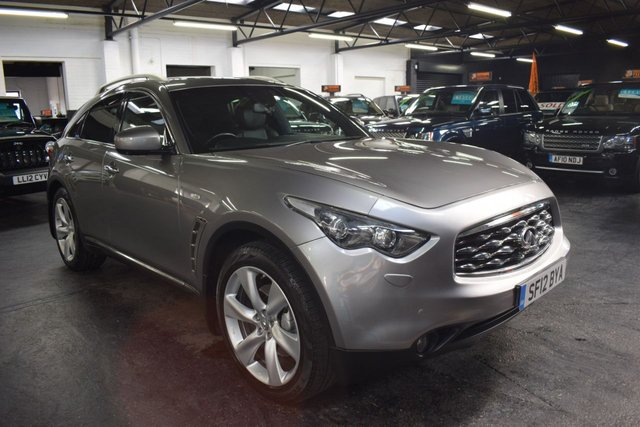USED 2012 12 INFINITI FX 3.0 FX30 S PREMIUM LOVELY CONDITION - 9 SERVICE STAMPS TO 82K - 4X4 - TOP S PREMIUM SPEC - POWERBOOT - 21 INCH ALLOYS - LEATHER - R/CAMERA - HEATED/COOLED SEATS - SUNROOF