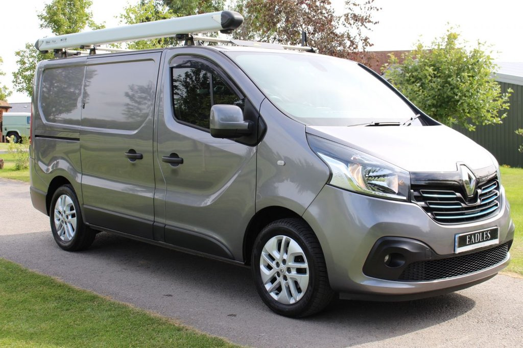 USED 2016 16 RENAULT TRAFIC 1.6 SL27 SPORT ENERGY DCI S/R P/V 120 BHP Fully loaded - so many extras ready for work -