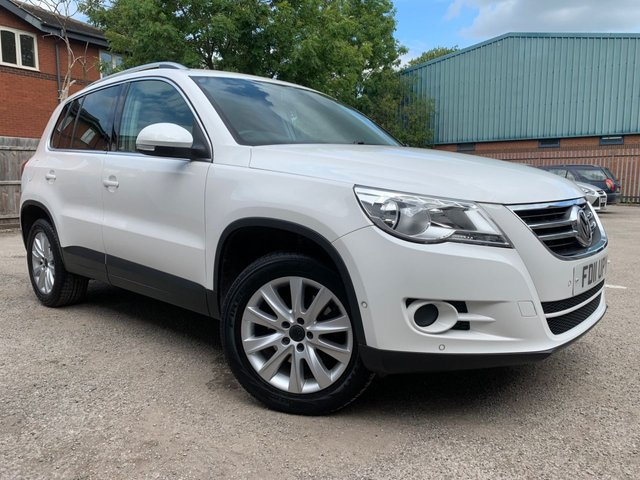 USED 2011 11 VOLKSWAGEN TIGUAN 2.0 MATCH TDI 4MOTION AUTOMATIC DSG 5d 138 BHP 1 LADY OWNER FROM NEW! BLUETOOTH, DAB