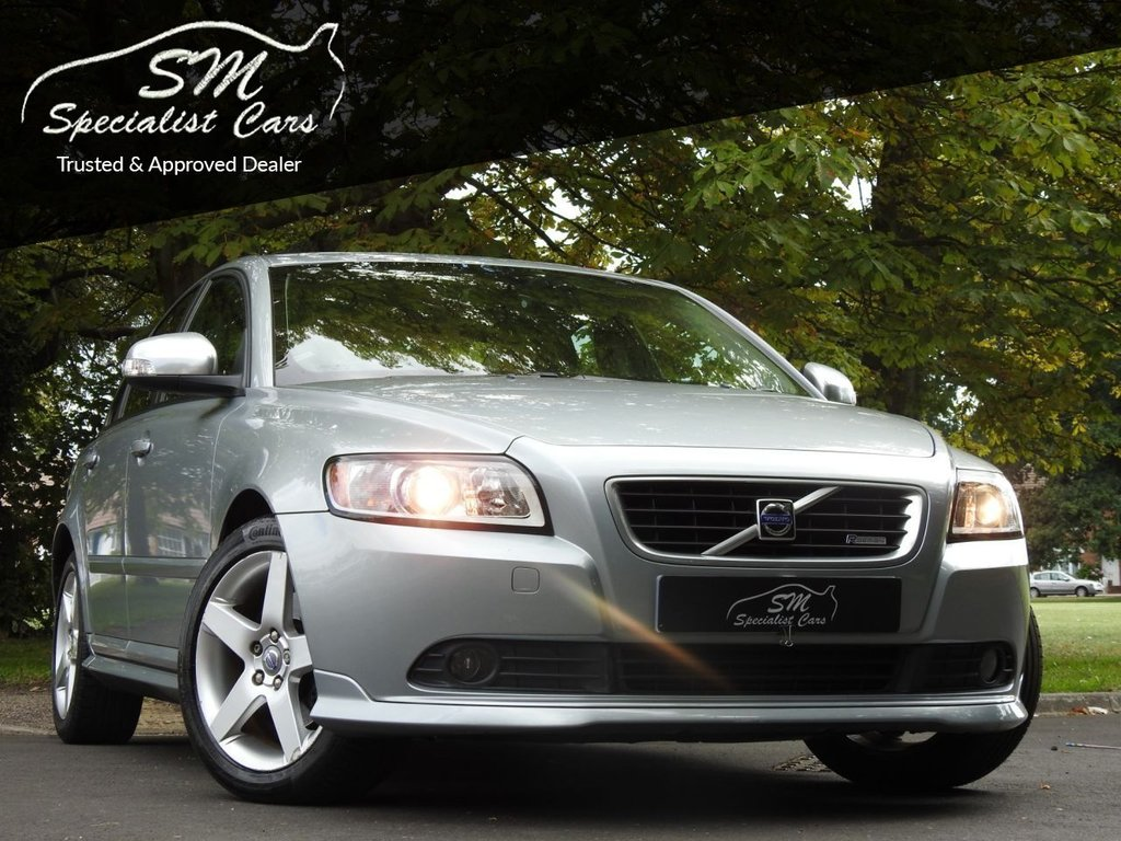 USED 2010 10 VOLVO S40 2.0 D R-DESIGN 4d 136 BHP ULTRA LOW MILEAGE 22K FROM NEW