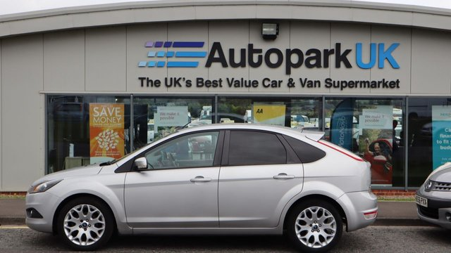 USED 2009 09 FORD FOCUS 1.6 ZETEC 5d 100 BHP LOW DEPOSIT OR NO DEPOSIT FINANCE AVAILABLE . COMES USABILITY INSPECTED WITH 30 DAYS USABILITY WARRANTY + LOW COST 12 MONTHS ESSENTIALS WARRANTY AVAILABLE FOR ONLY £199 .  WE'RE ALWAYS DRIVING DOWN PRICES .