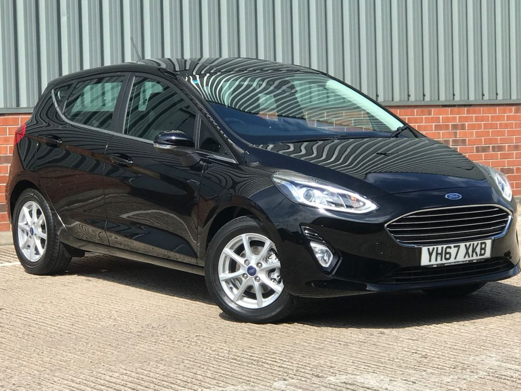 USED 2017 67 FORD FIESTA 1.1 ZETEC 5d 85 BHP EXCELLENT ONE OWNER LOW MILEAGE EXAMPLE