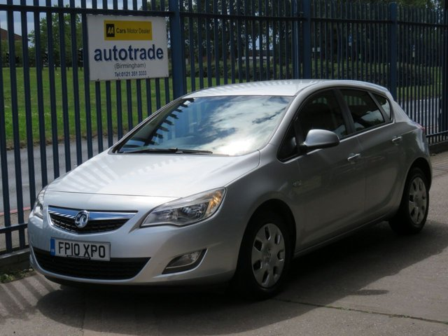 USED 2010 M VAUXHALL ASTRA 1.6 EXCLUSIV 5d 113 BHP  low miles service history automatic, cruise, a/c ulez compliant  Rare Automatic & Low  mileage, SERVICE HISTORY, A/C, CRUISE CONTROL