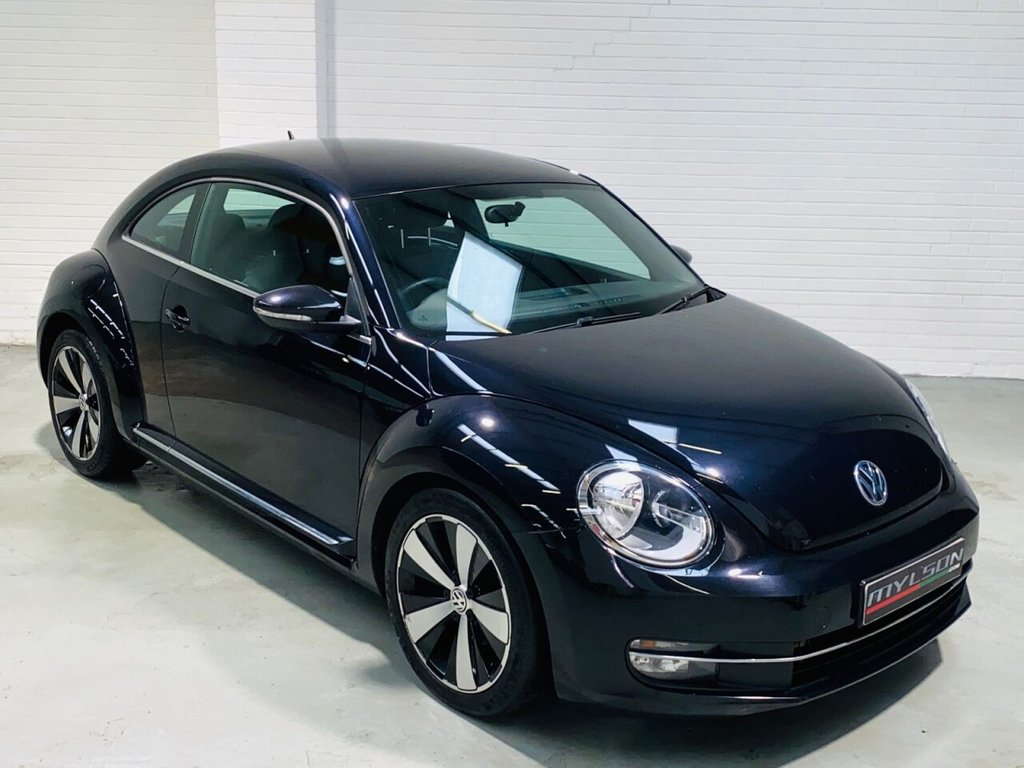 USED 2015 65 VOLKSWAGEN BEETLE 2.0 DESIGN TDI BLUEMOTION TECHNOLOGY 3d 108 BHP Black with Black Interior, Touch Screen Bluetooth Media System