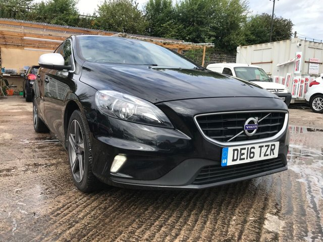 USED 2016 16 VOLVO V40 2.0 D4 R-DESIGN NAV 5d 188 BHP WILL COME WITH 12 MONTHS MOT-FSH 5 STAMPS+SAT NAV MEDIA+USB 1 OWNER 17 ALLOYS CLIMATE CONTROL