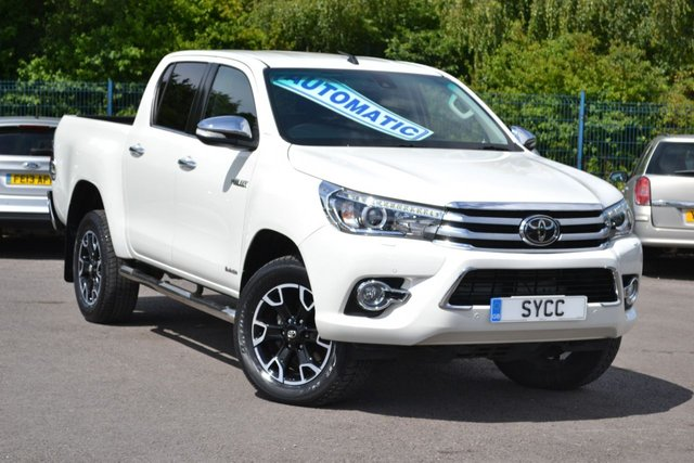 USED 2017 17 TOYOTA HI-LUX 2.4 INVINCIBLE X 4WD D-4D DCB 148 BHP ~ SAT NAV ~ HEATED LEATHER HEATED LEATHER ~ SAT NAV ~ REVERSE CAMERA ~ LANE DEPARTURE